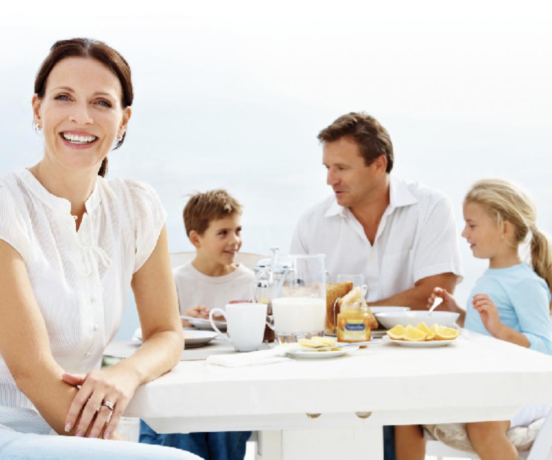 Familia comiendo sin gluten de Proceli